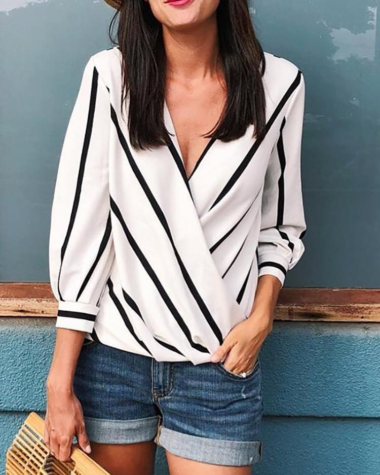 chicme / Contrast Stripes Deep V Wrapped Blouses
