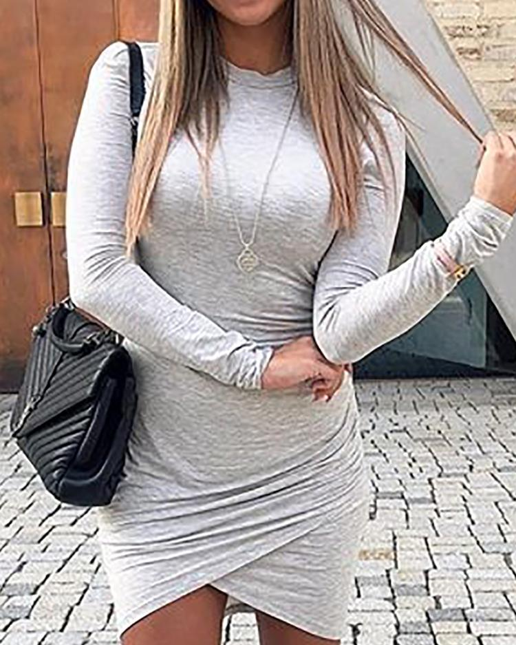 Solid Ruched Overlap Hem Bodycon Dress фото