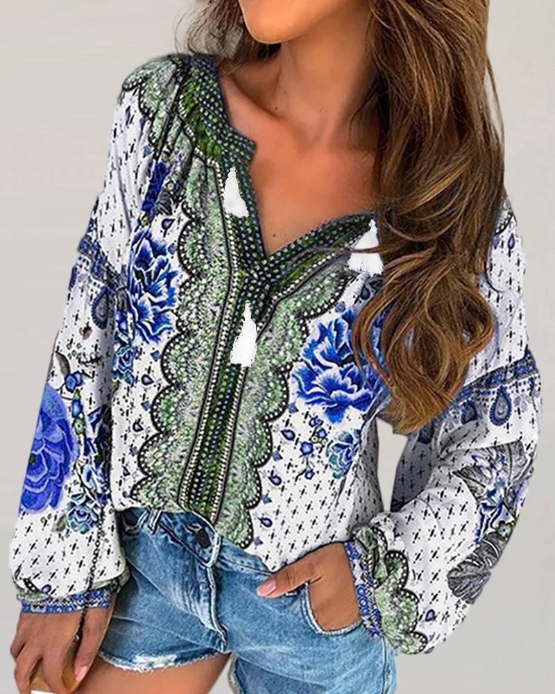 chicme / Blusa de manga larga con cuello en V y estampado étnico