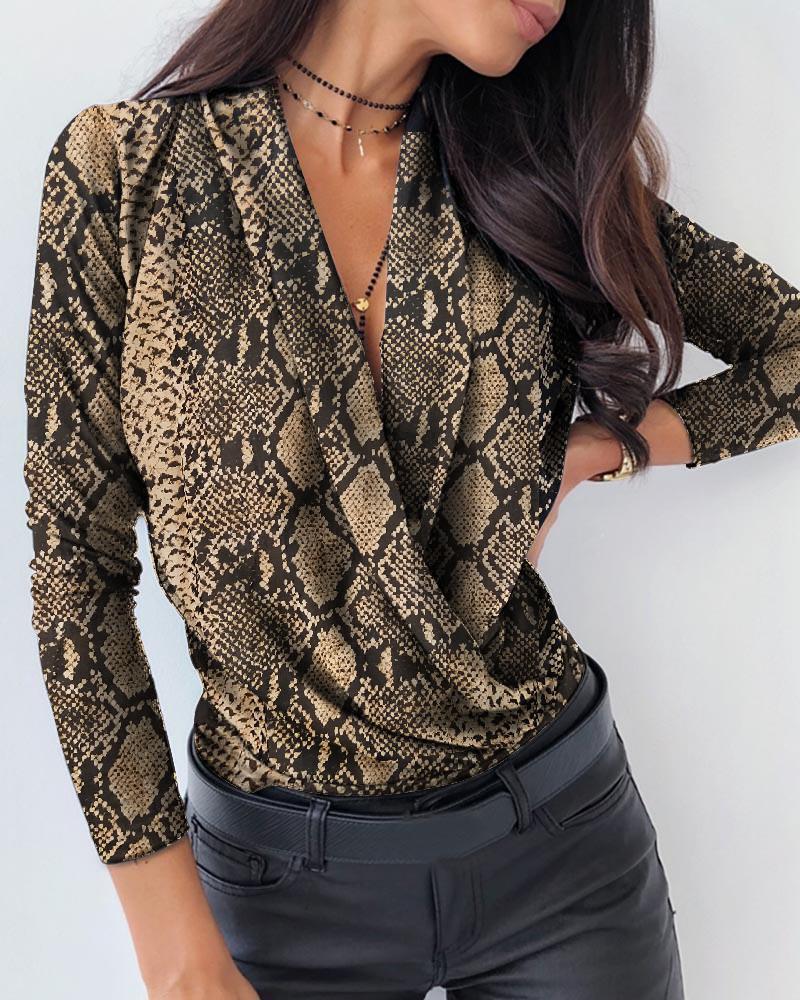 chicme / Blusa informal de manga larga de piel de serpiente