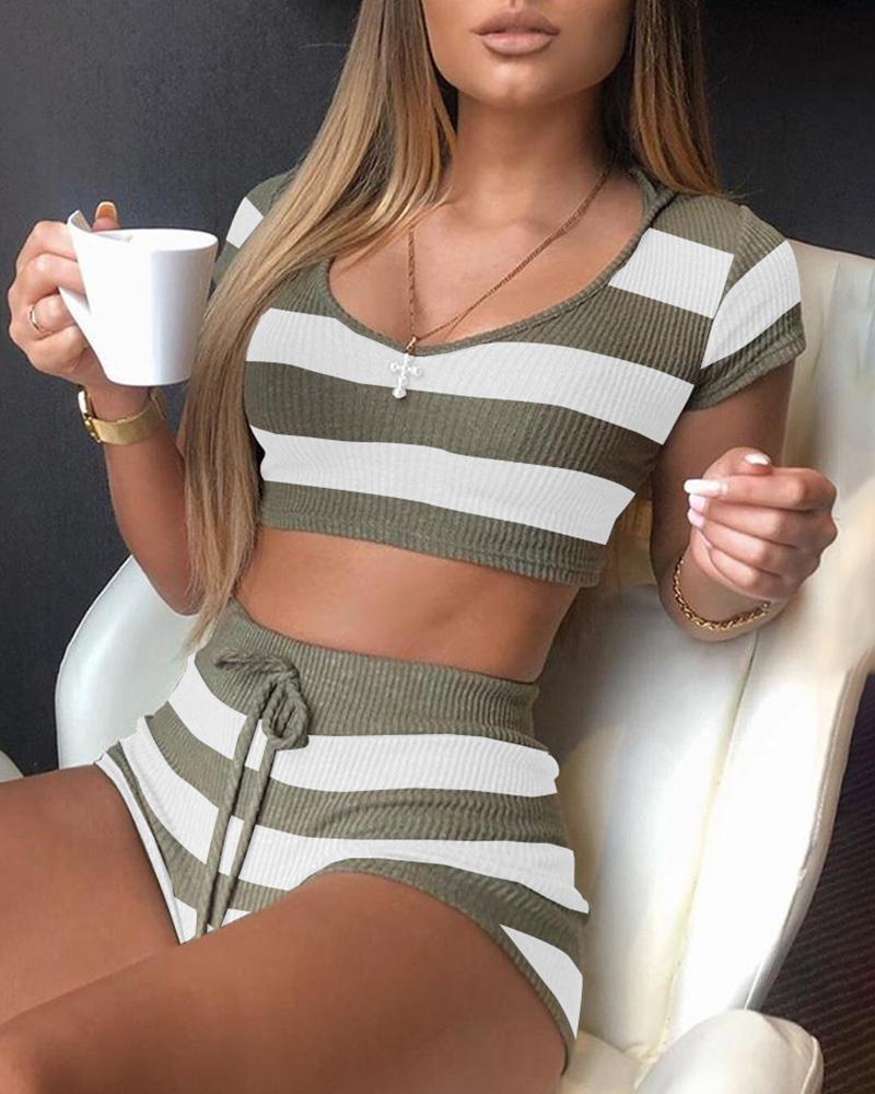 Striped Hooded Short Sleeve Top & Short Set фото