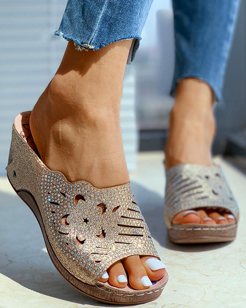 Studded Hollow Out Wedge Heeled Sandals фото