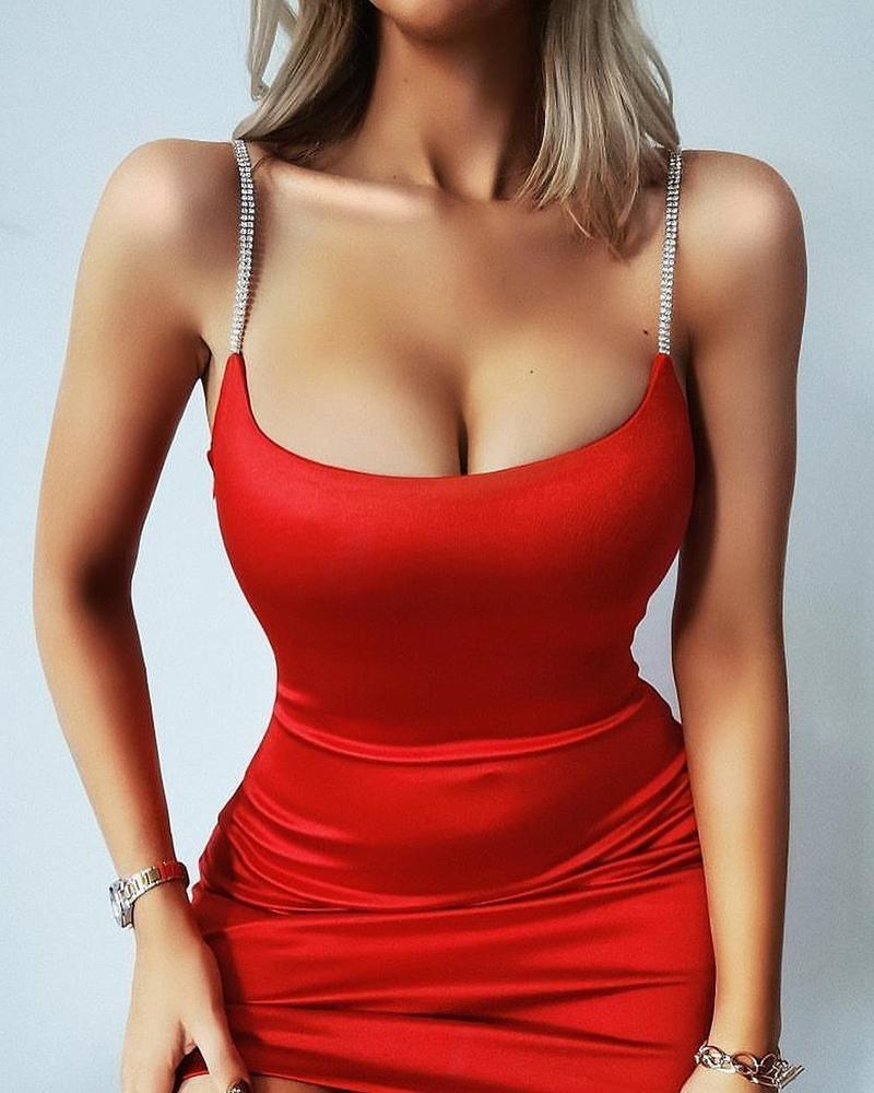 ivrose / Mini vestido ajustado con correa de tachuelas