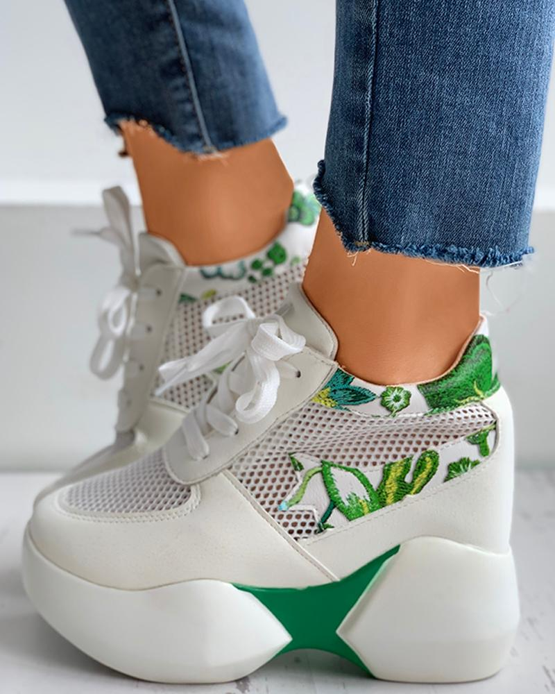 ivrose / Floral Embroidery Lace-Up Breathable Sneakers