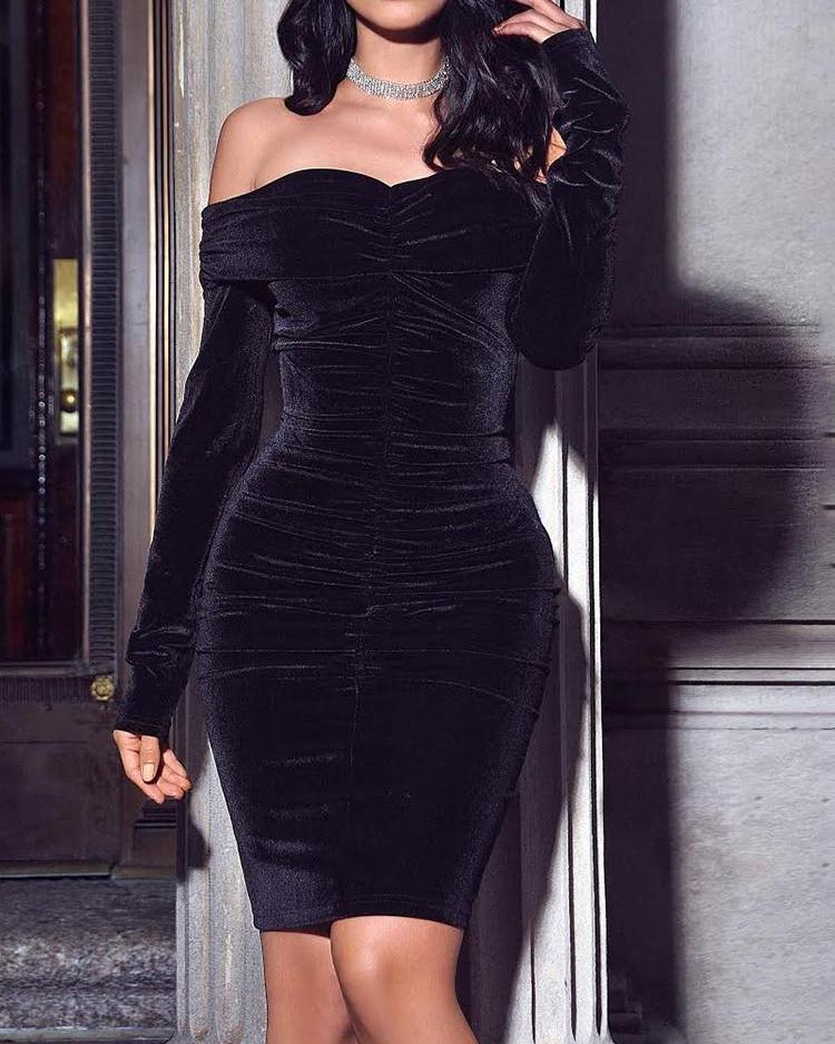 boutiquefeel / Velvet Off Shoulder Ruched Bodycon Dress