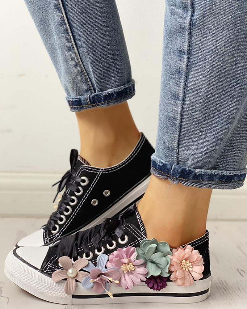 Floral Embellished Lace-Up Casual Sneakers