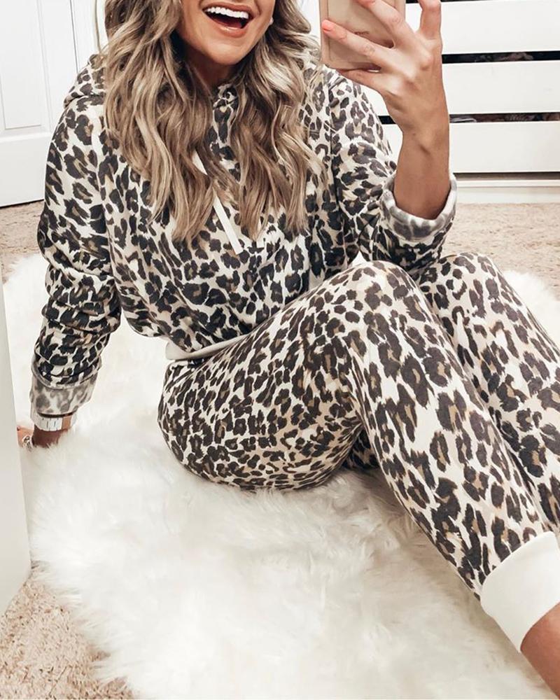 ivrose / Conjunto com capuz e calça com estampa de leopardo