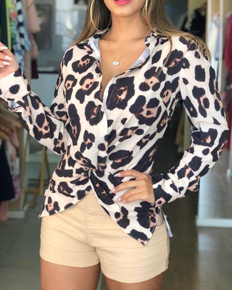 Twist Front Leopard Print Long Sleeve Blouse фото