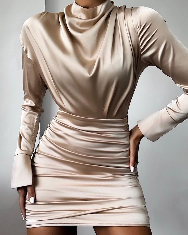 ivrose / High Neck Ruched Satin Dress