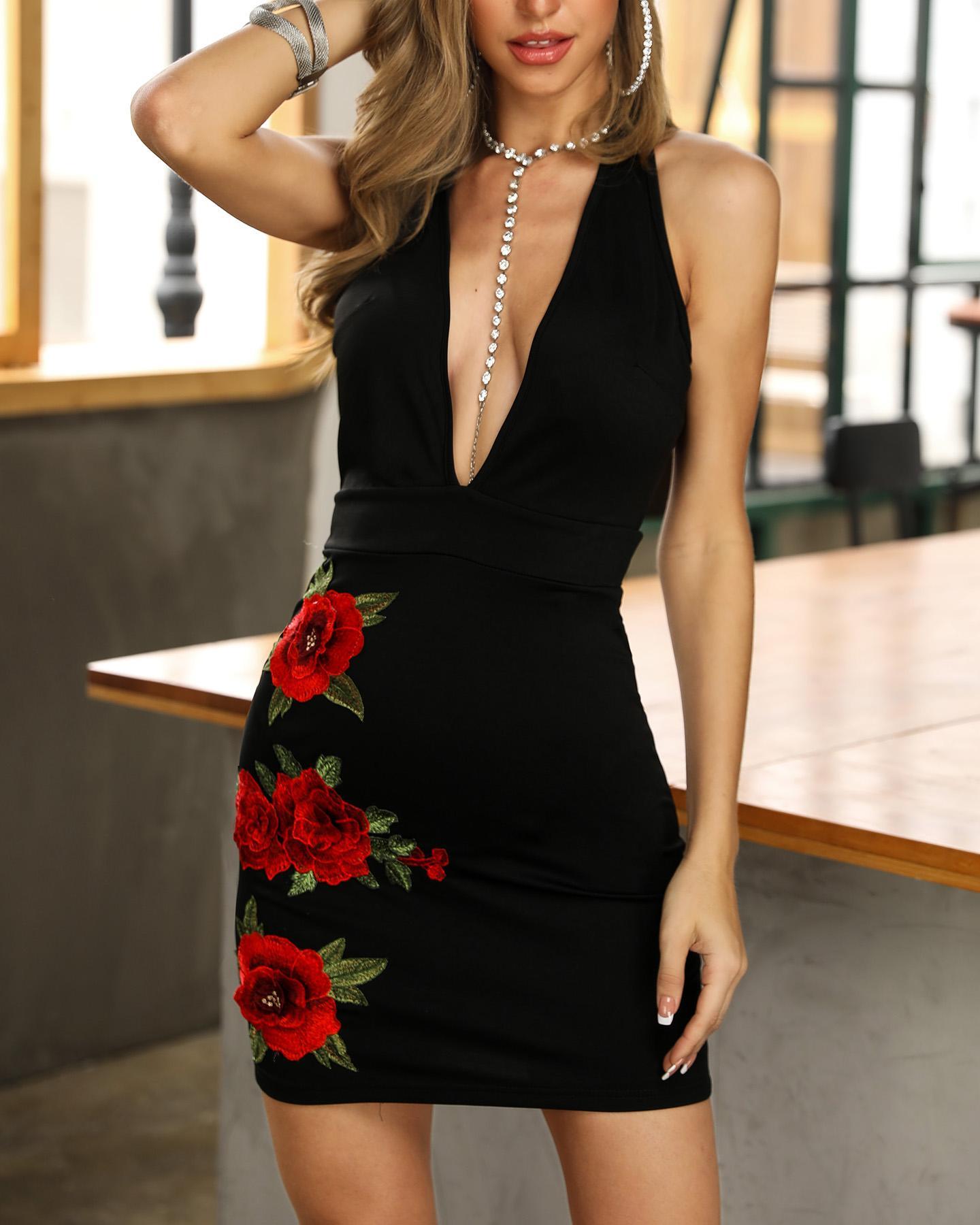 Plunge Backless Floral Applique Bodycon Dress