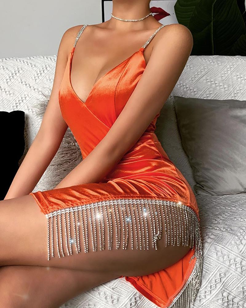 ivrose / Vestido ajustado con tirantes de espagueti con borlas