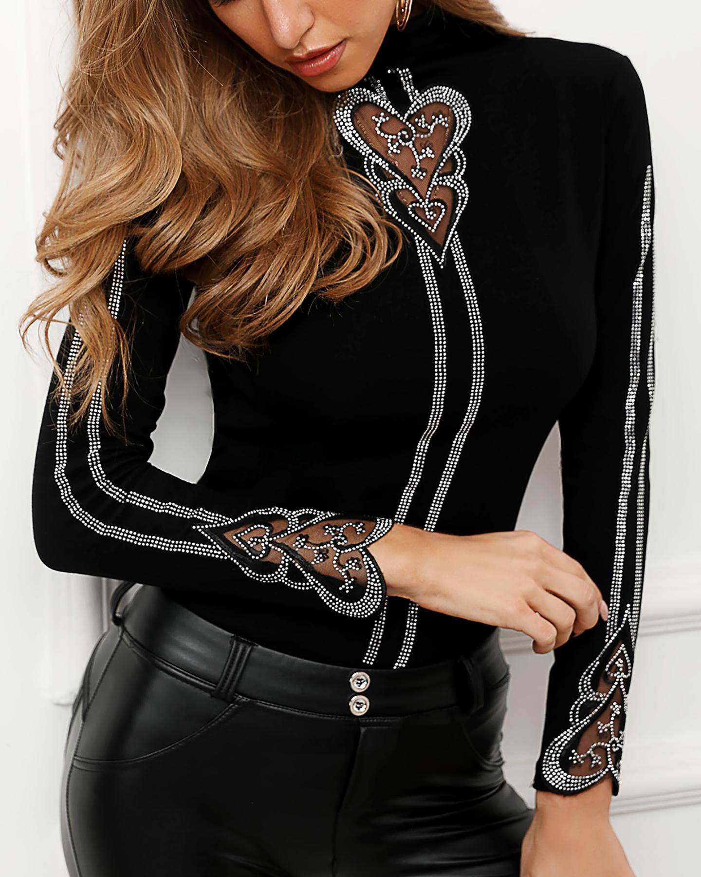 boutiquefeel / Blusa con diseño de corazón tachonado
