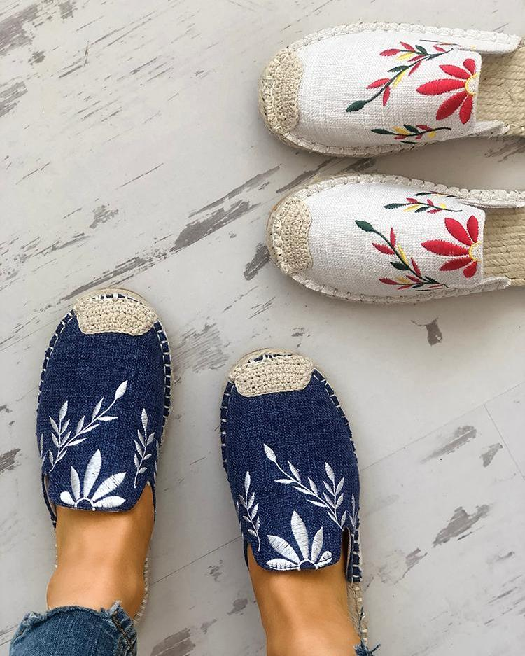 chicme / Fashion Embroidered Espadrille Flat Slippers