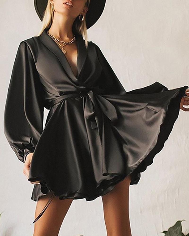 boutiquefeel / Vestido plissado de manga comprida com decote em V sólido