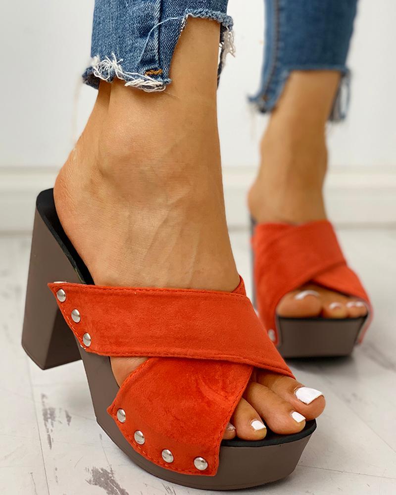 Crisscross Design Chunky Heeled Sandals фото