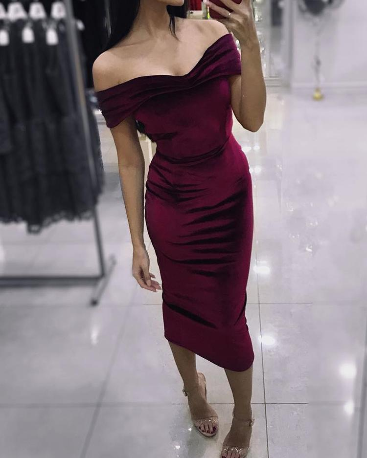 joyshoetique / Velvet Off Shoulder Bodycon Dress