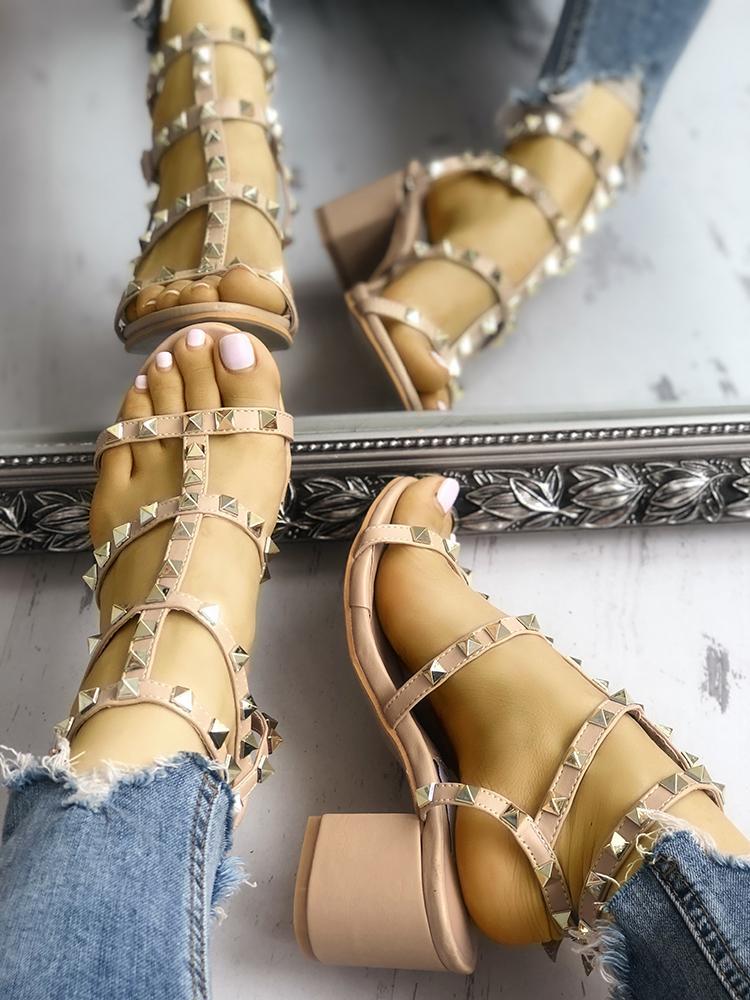 boutiquefeel / Sandálias de Salto Grosso com Tachas