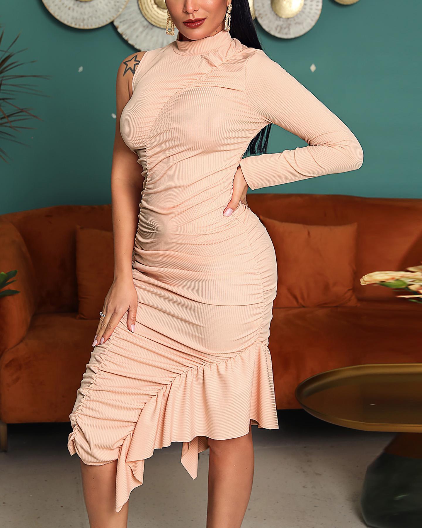 One Shoulder Ruffle Hem Ruched Dress фото