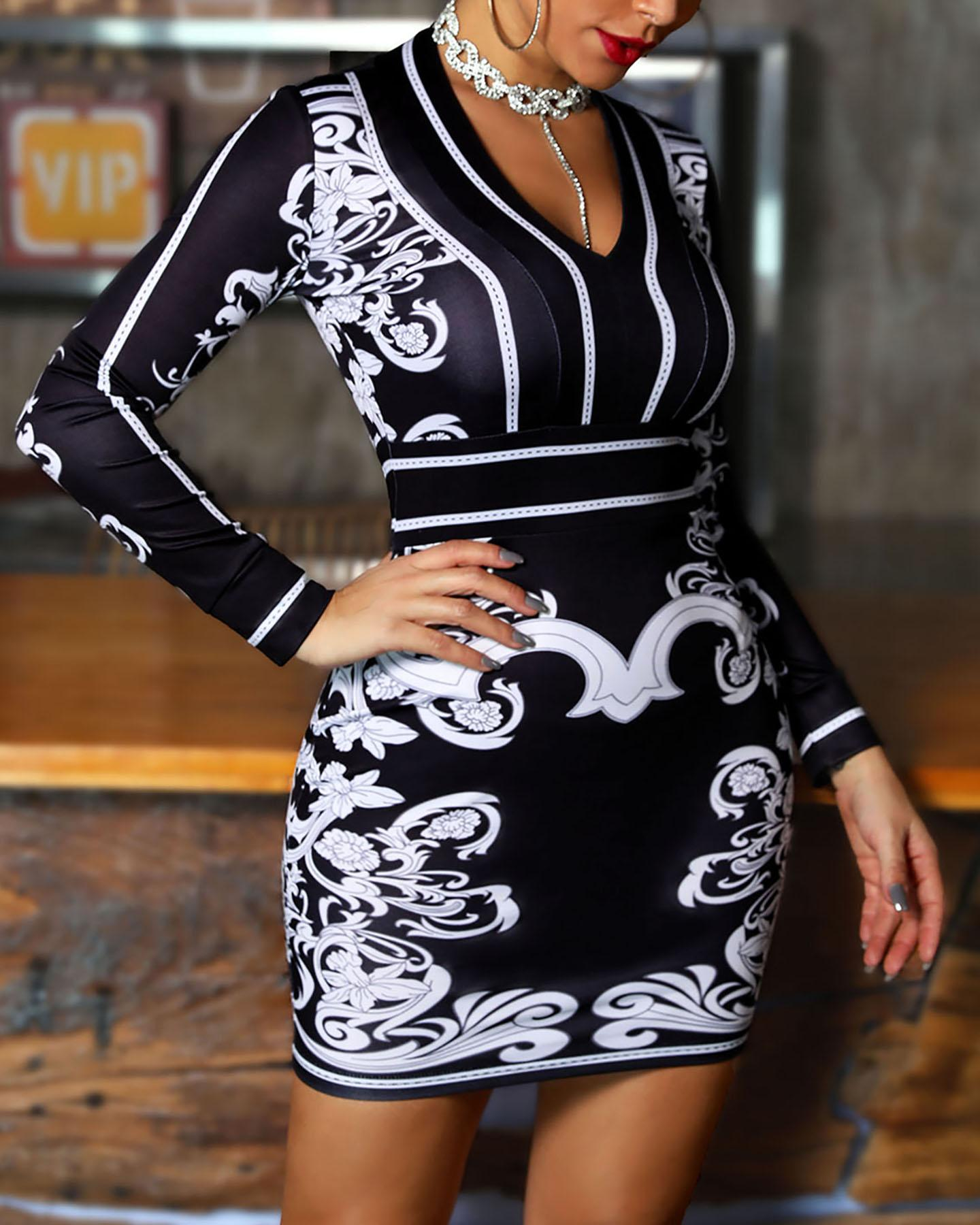 Retro Print Long Sleeve Dress