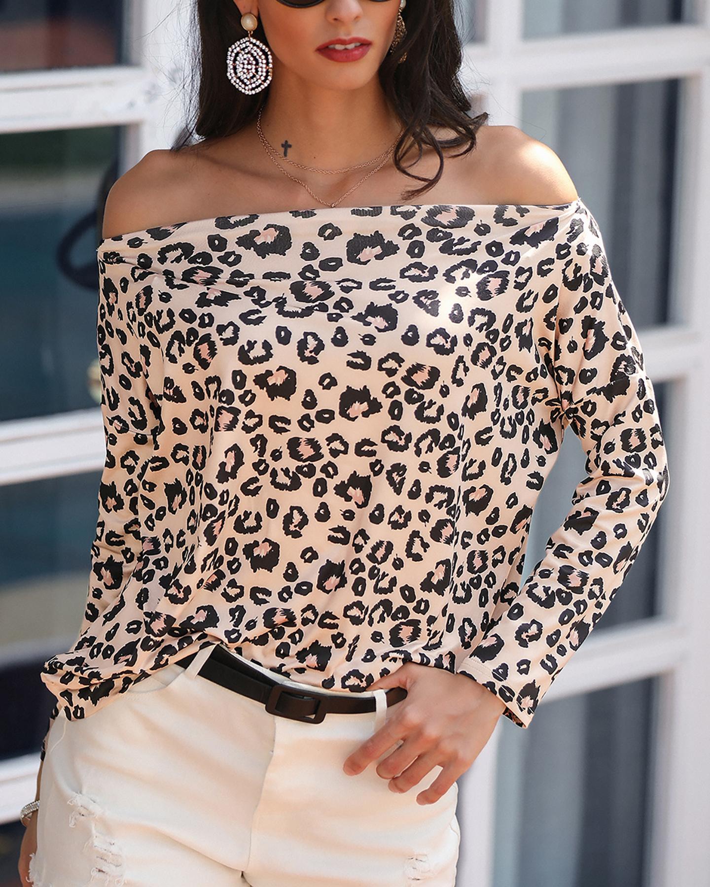chicme / Blusa de manga larga con estampado de leopardo fuera del hombro