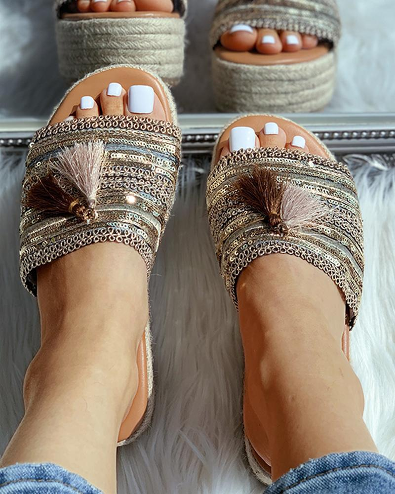 chicme / Sandalias con cuña peep toe con borlas