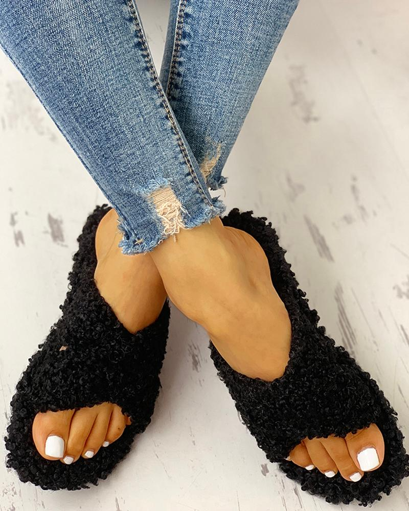 Solid Fluffy Crisscross Design Flat Sandals фото