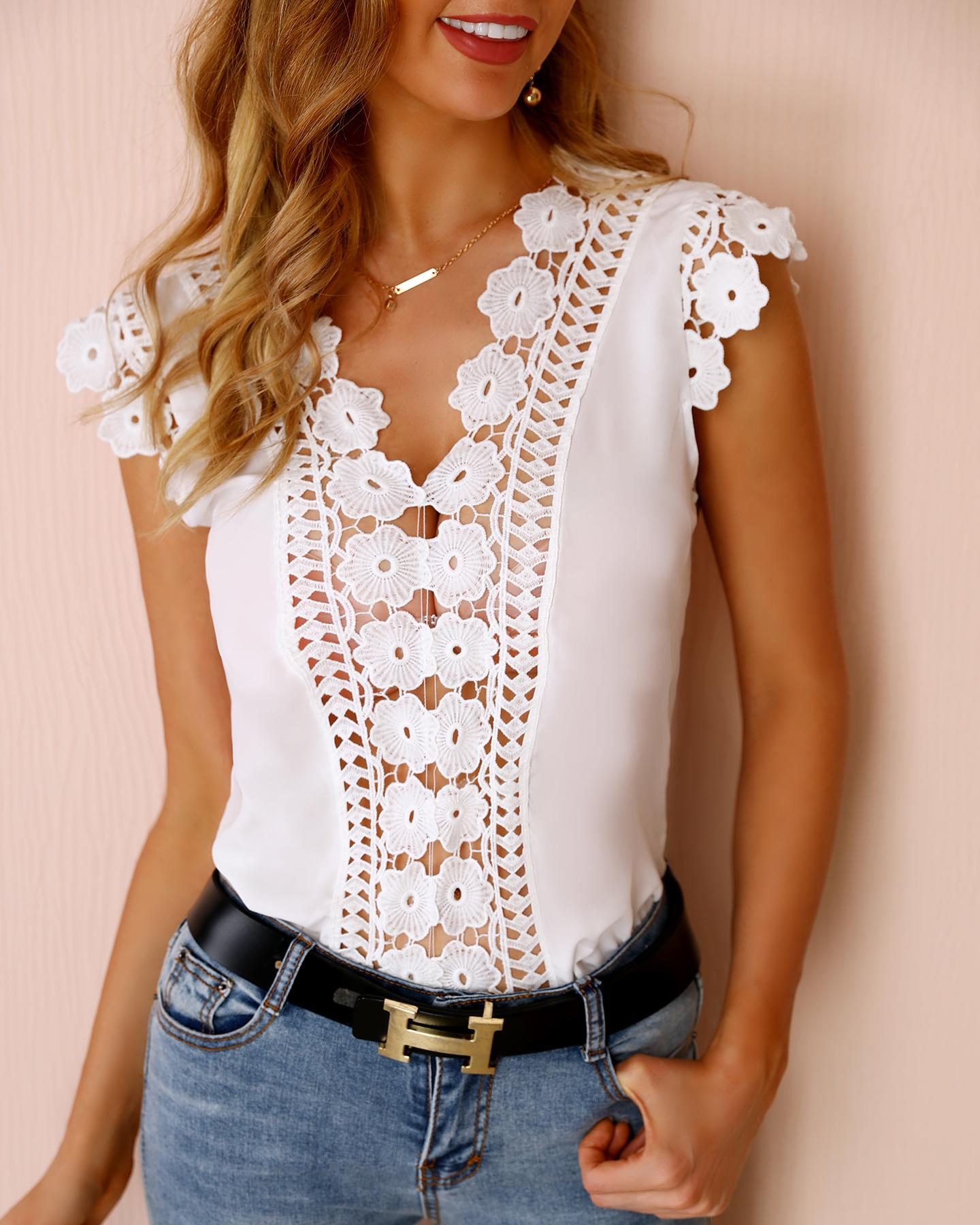 Hollow Out Lace Insert Casual Blouse