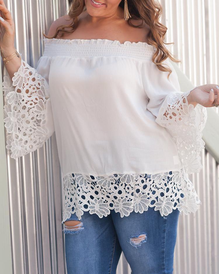 boutiquefeel / Blusa de encaje Shirring Shipring de Off Shoulder
