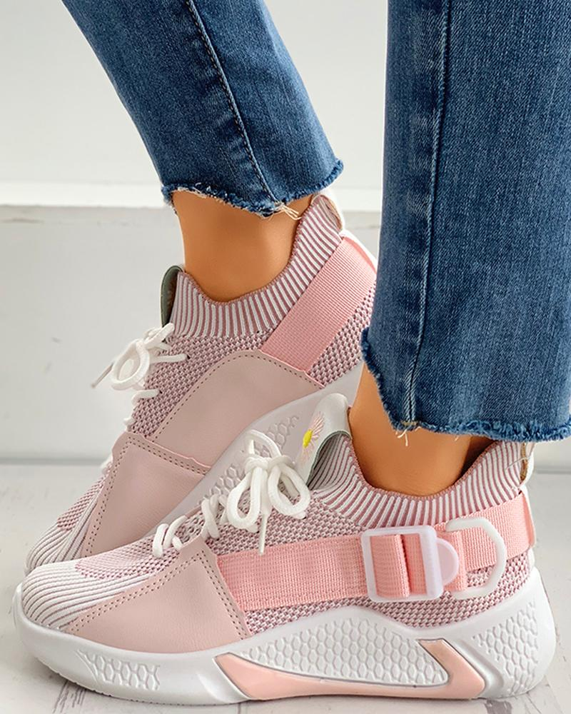 joyshoetique / Daisy Embroidery Lace-up Breathable Sneakers