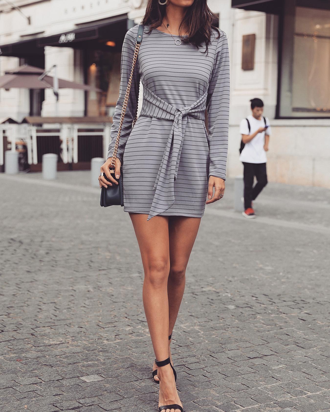 boutiquefeel / Vestido ajustado a rayas con cuello redondo de manga larga