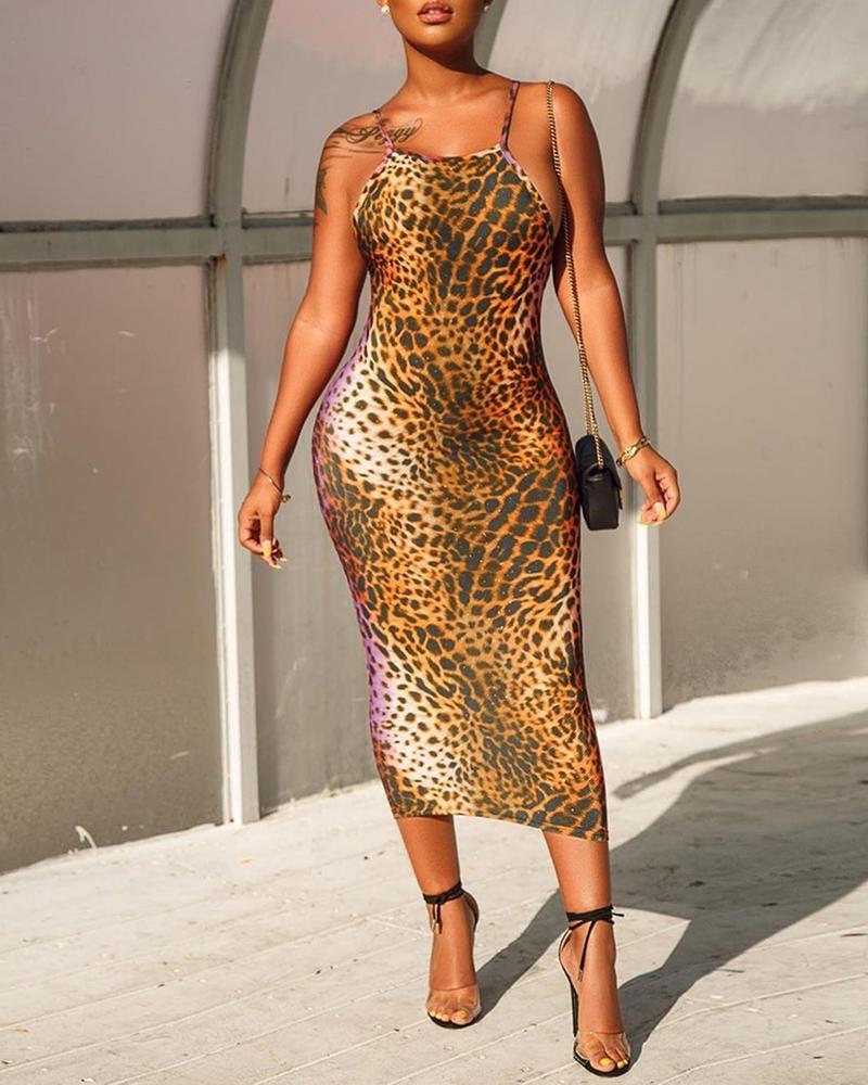 chicme / Vestido sin espalda con correa de espagueti de leopardo
