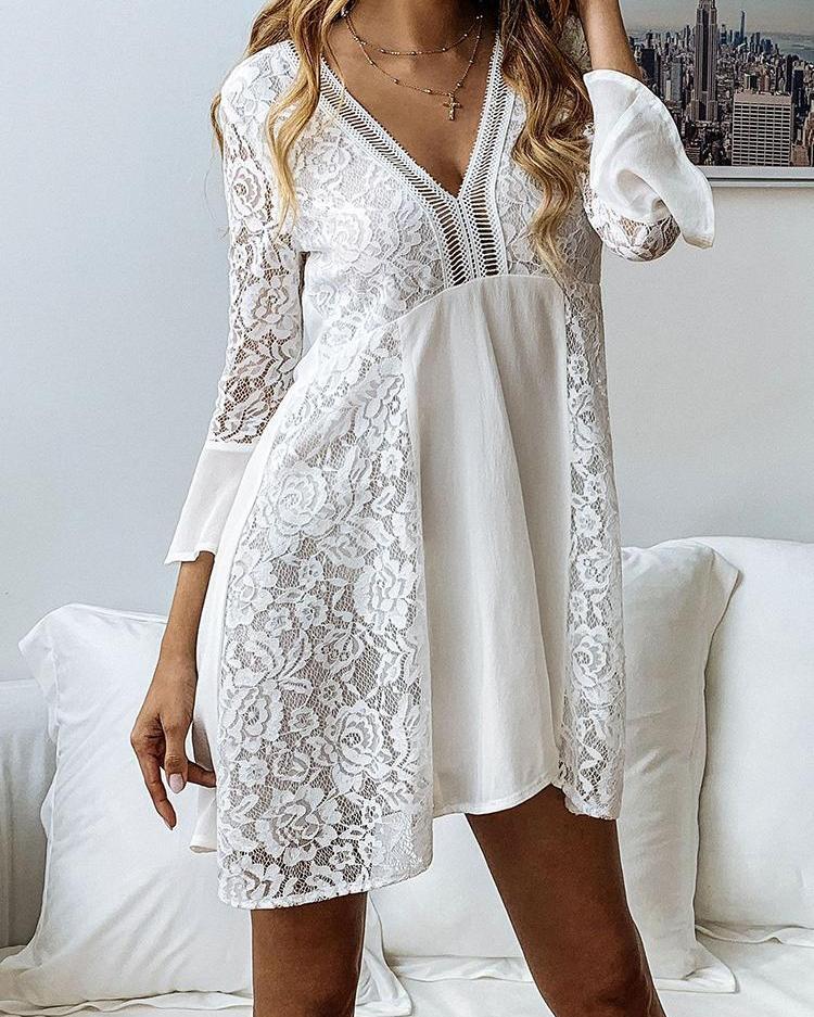 joyshoetique / Bell Sleeve Hollow Out Lace Dress