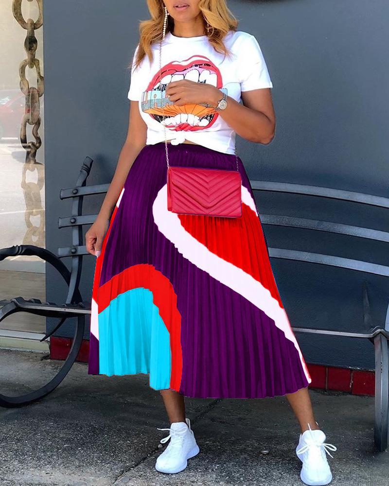 Lip Print Casual T-shirt & Pleated Skirt Set фото