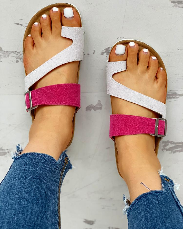 Contrast Color Buckled Flat Thong Sandals фото