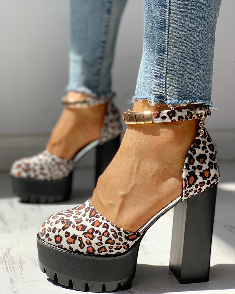 boutiquefeel / Sandálias de salto robusto com plataforma de tira no tornozelo