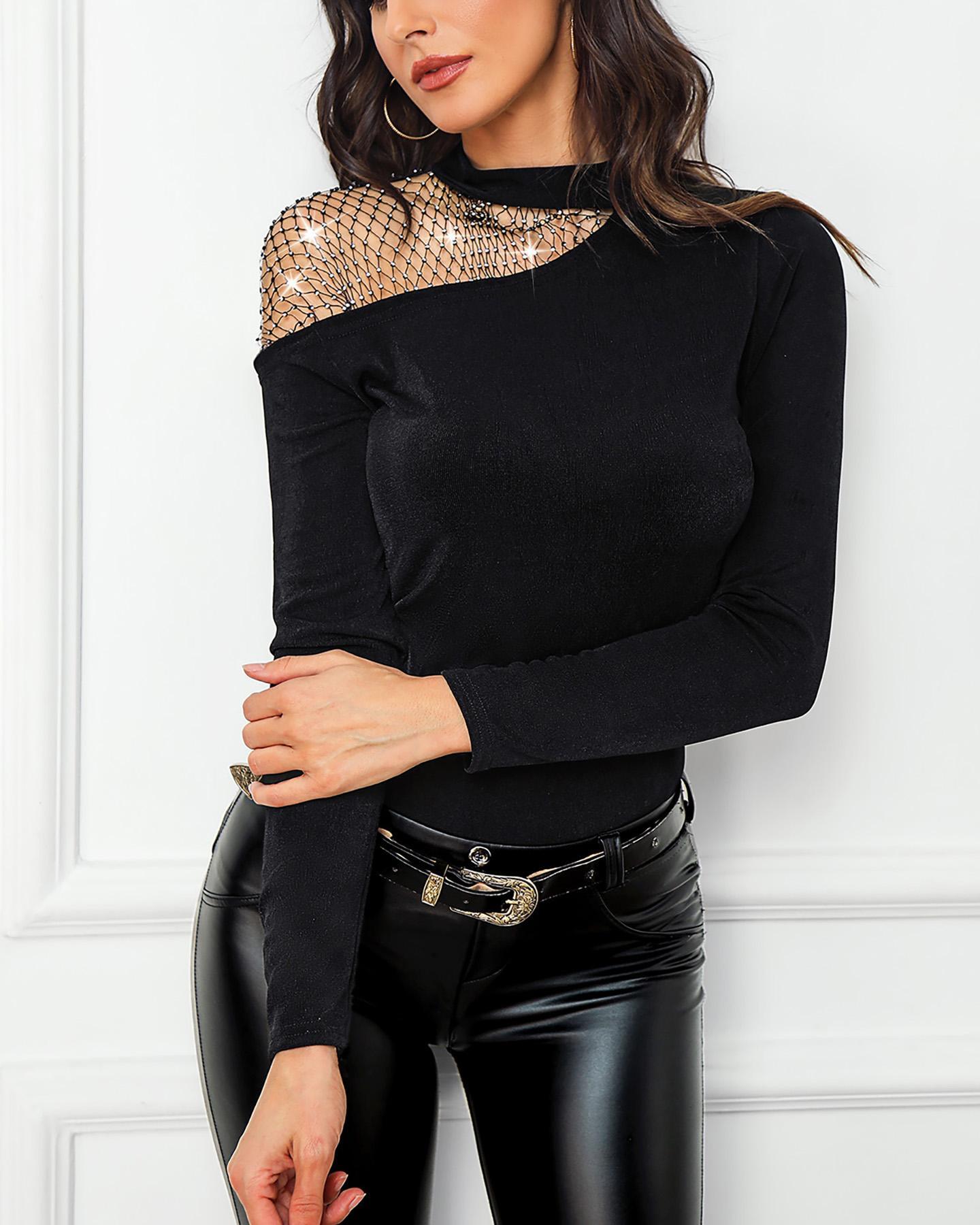 boutiquefeel / Blusa de malla con tachuelas y hombros fríos