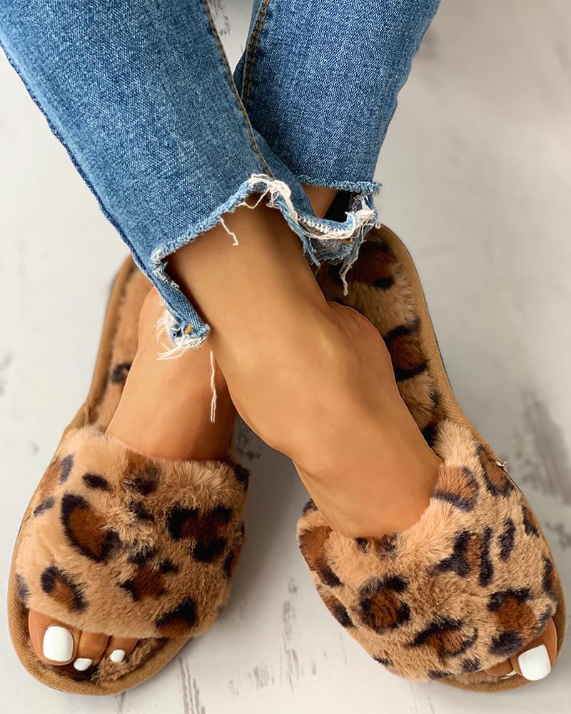 boutiquefeel / Pantuflas planas con punta abierta de leopardo esponjoso
