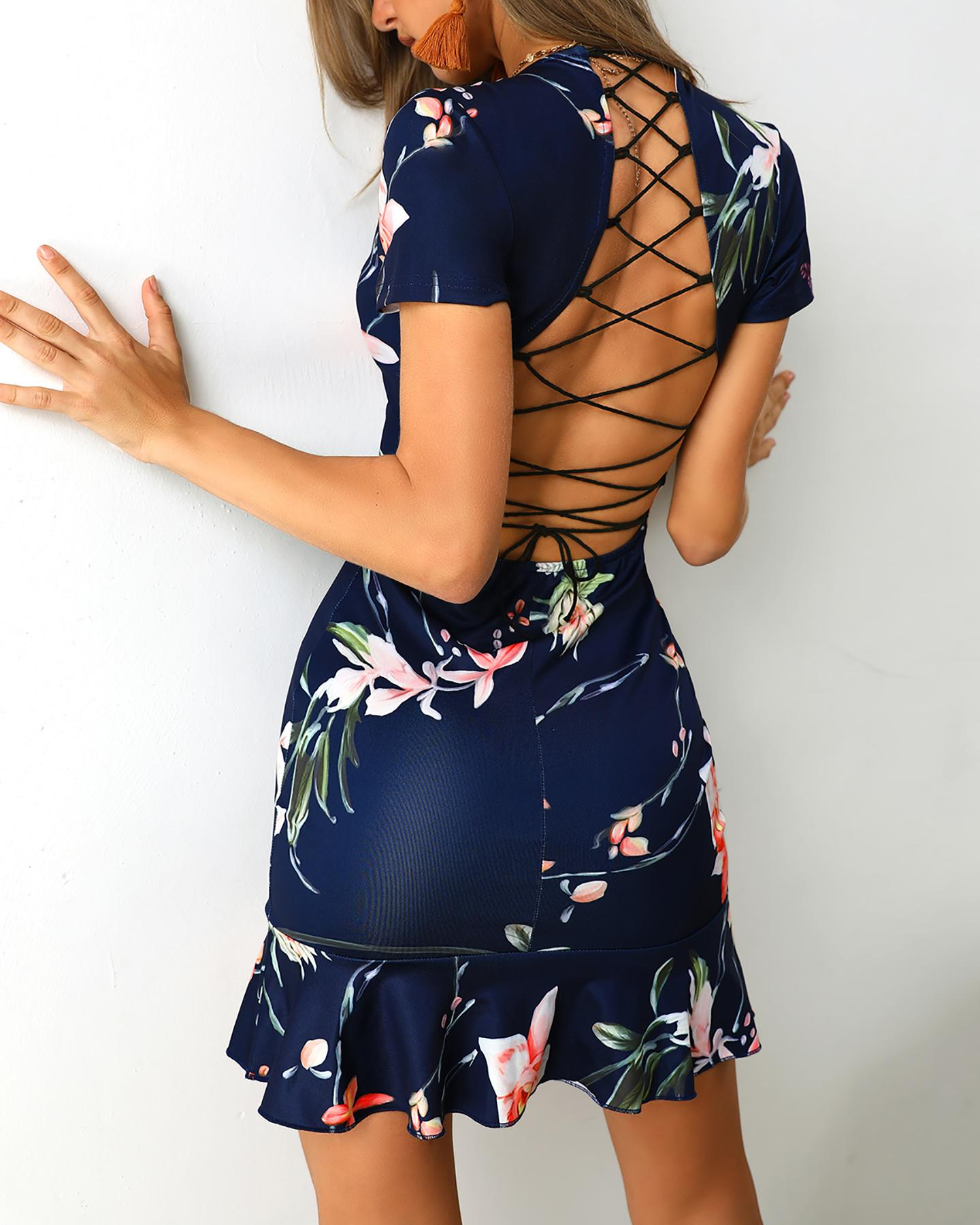 Lace-Up Back Pep Hem Print Dress