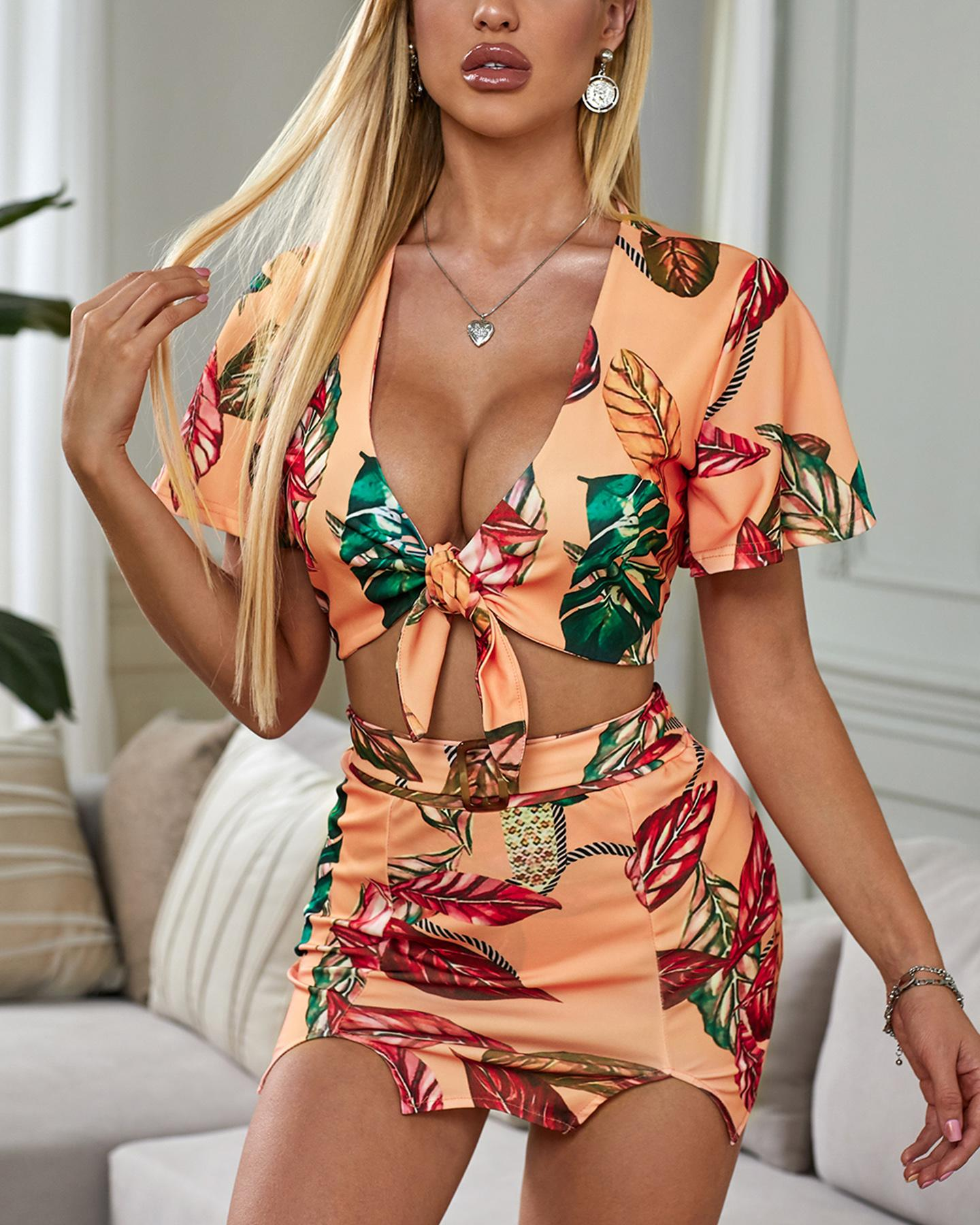 Tropical Print Tied Detail Top & Slit Skirt Set фото