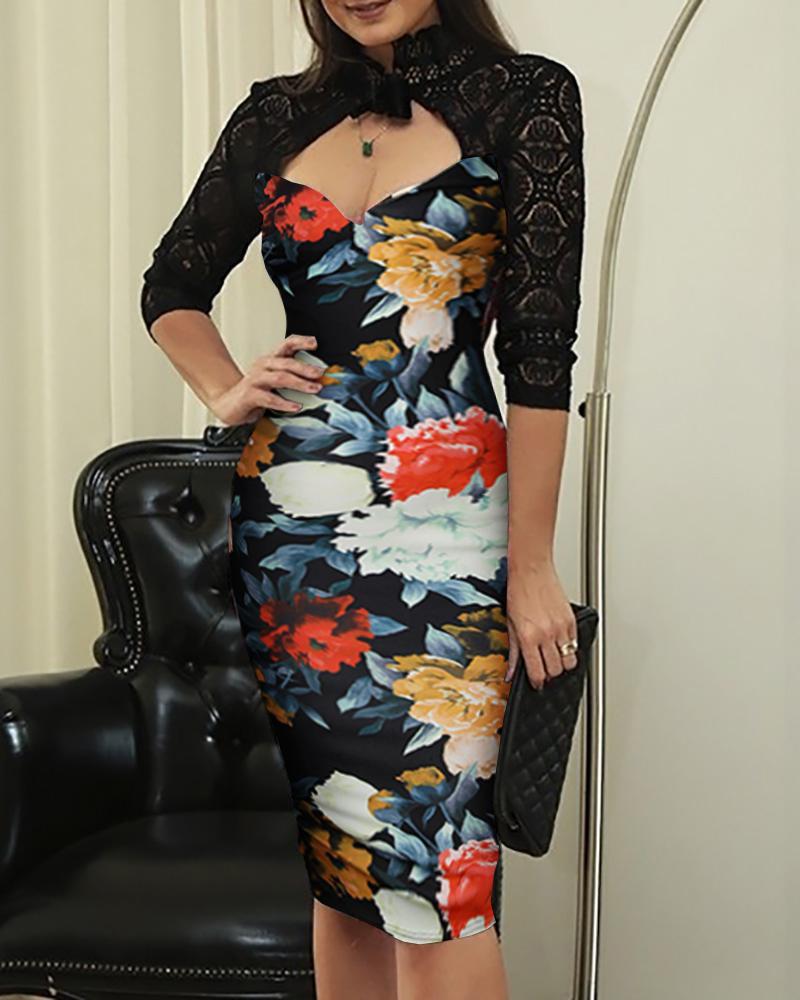 chicme / Vestido ajustado con corte de encaje y estampado floral