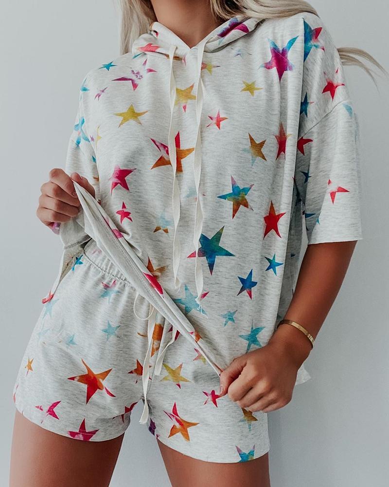 chicme / Conjunto com capuz e shorts com estampa de estrelas
