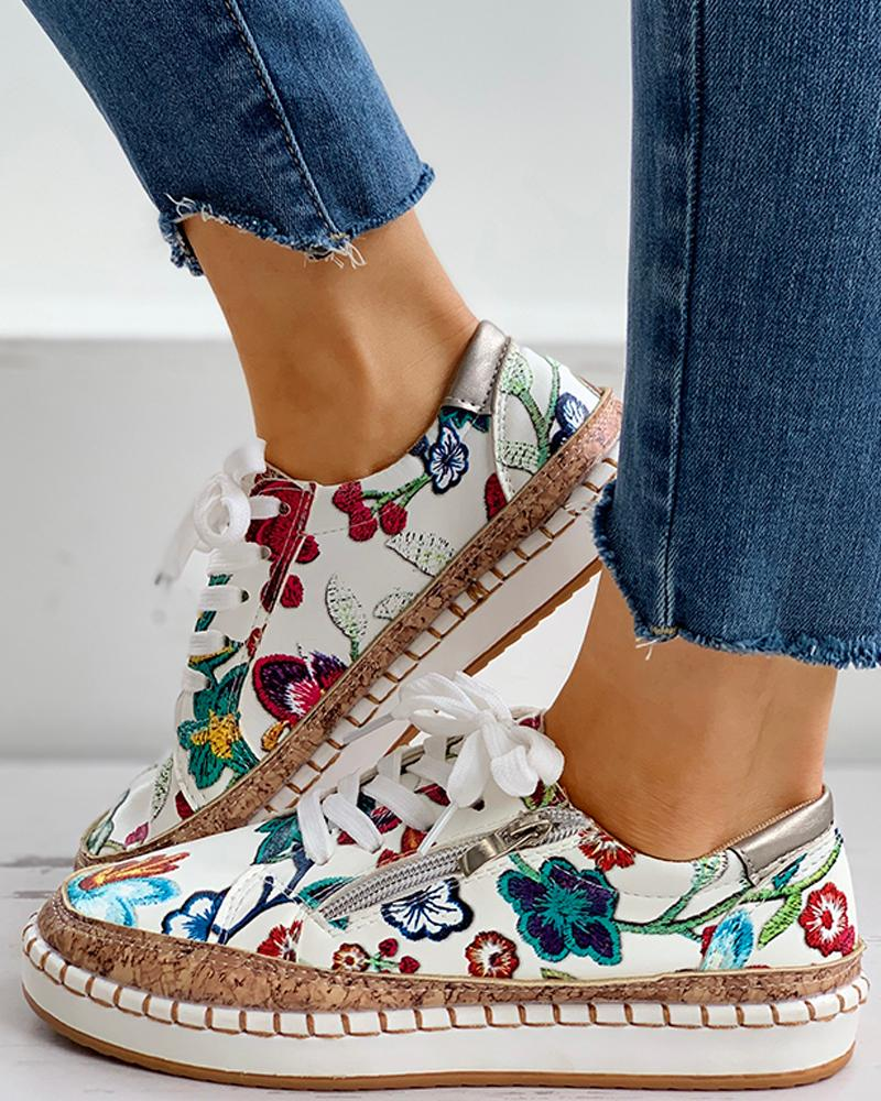 joyshoetique / Floral Embroidery Lace-up Muffin Sneakers