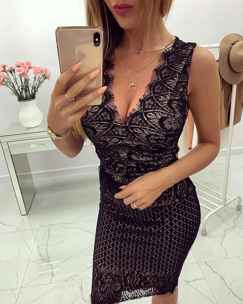 V-Neck Eyelash Lace Bodycon Dress фото