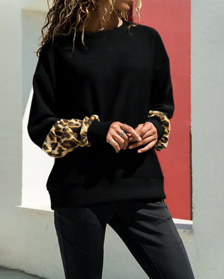 Long Sleeve Leopard Insert Sweatshirt фото