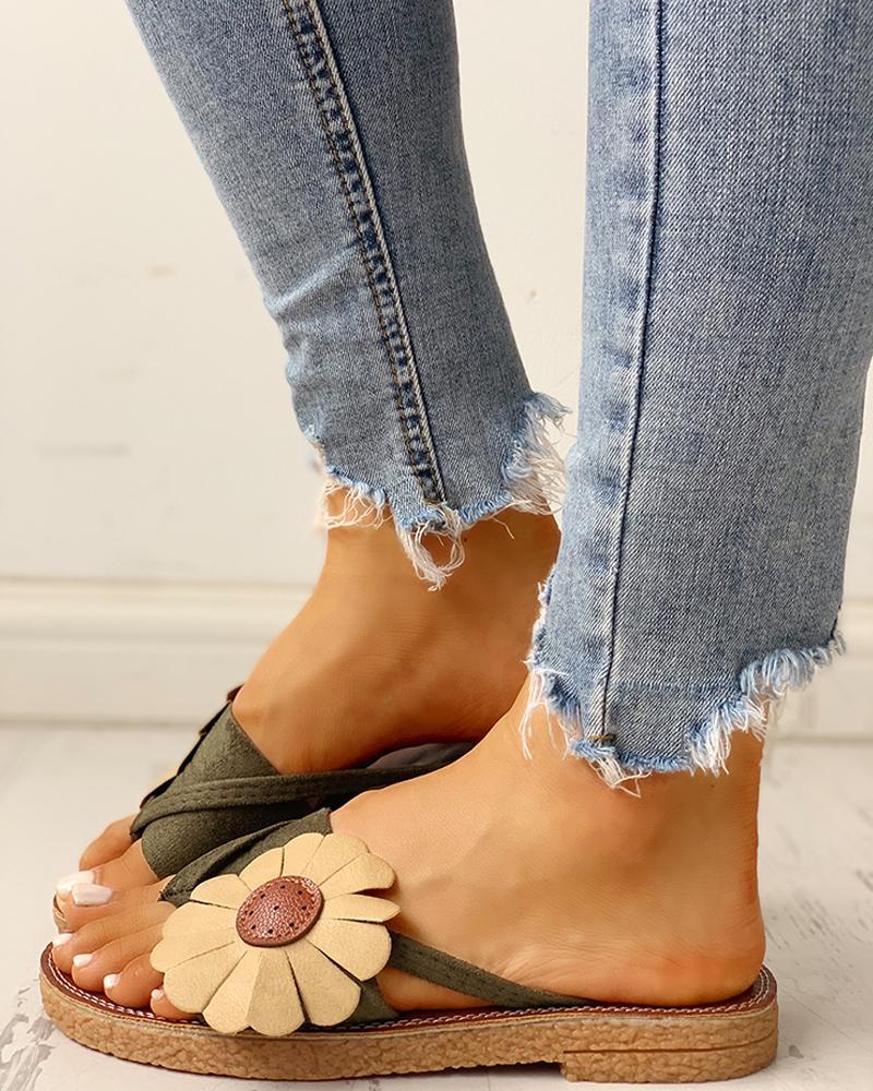 Toe Post Flower Design Flat Sandals