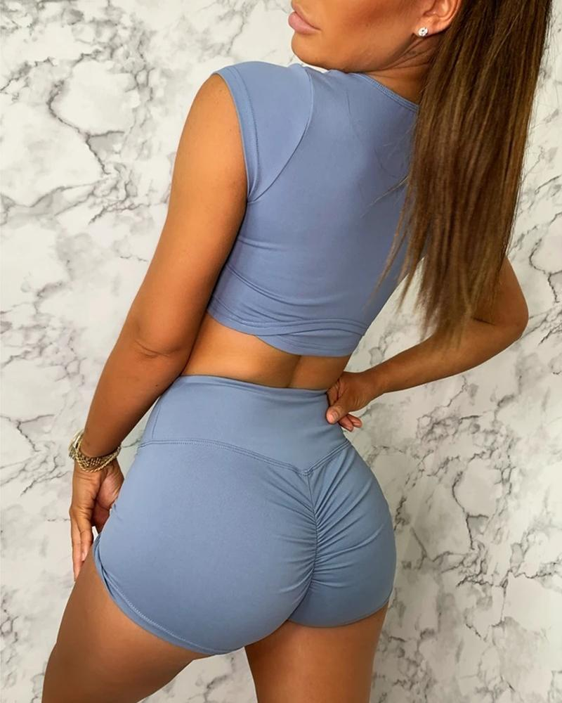 Solid Crop Top & Ruched Shorts Set фото