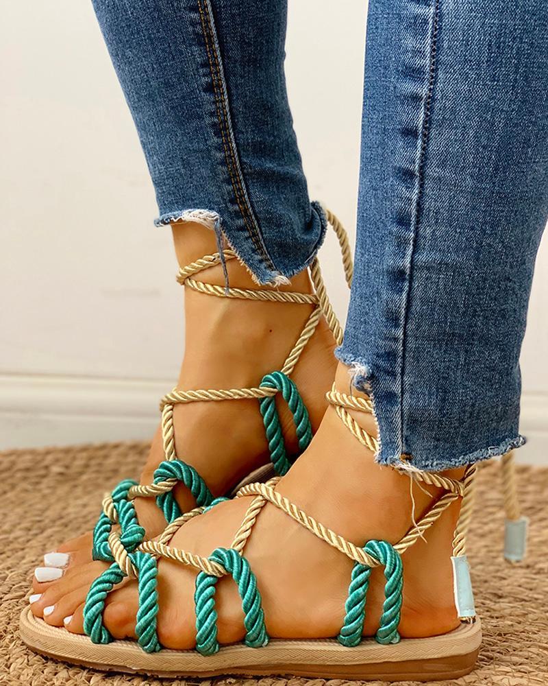 boutiquefeel / Sandálias planas com cordões e cordões