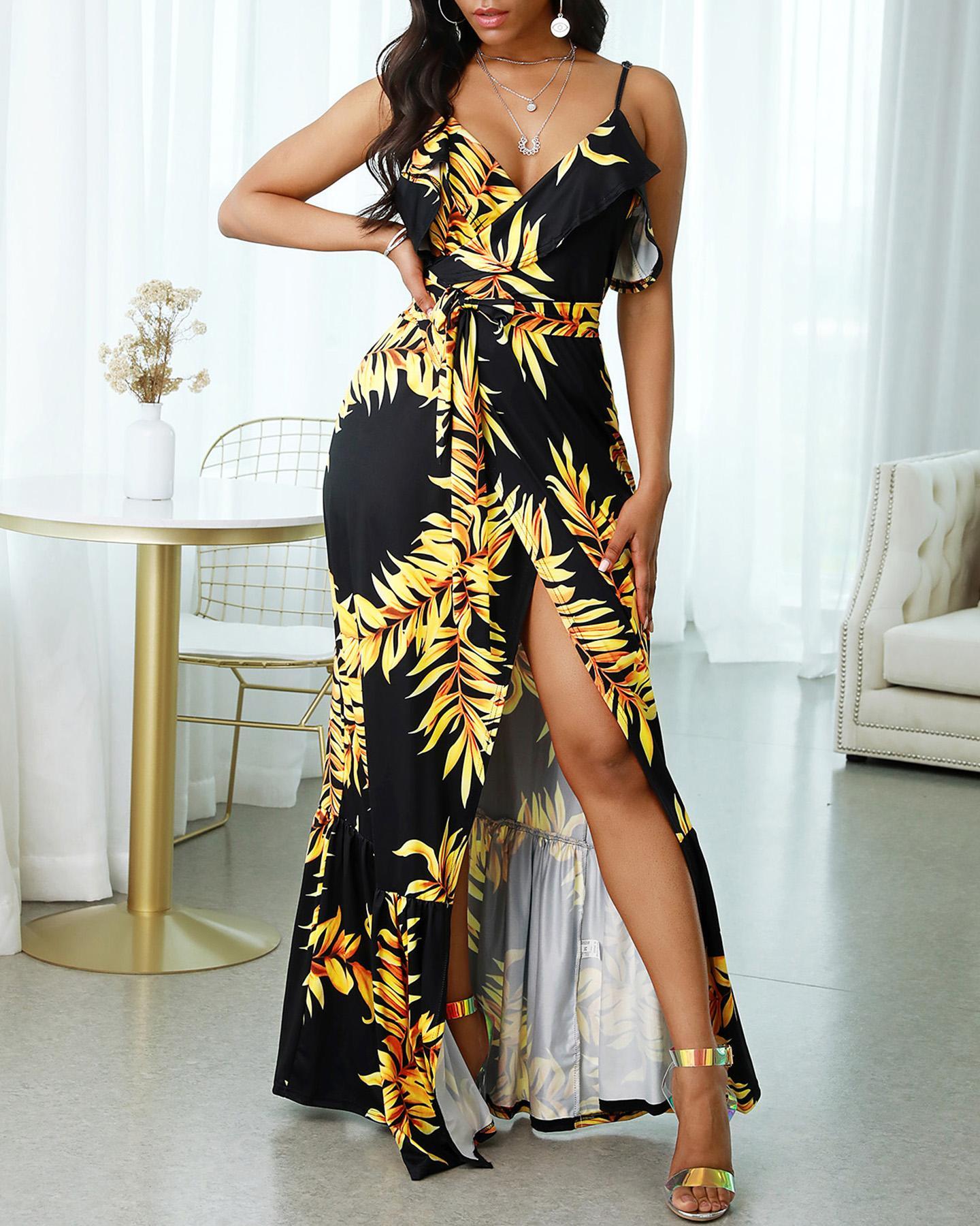 ivrose / Vestido largo con abertura y volantes fruncidos con estampado de hojas y correa de espagueti