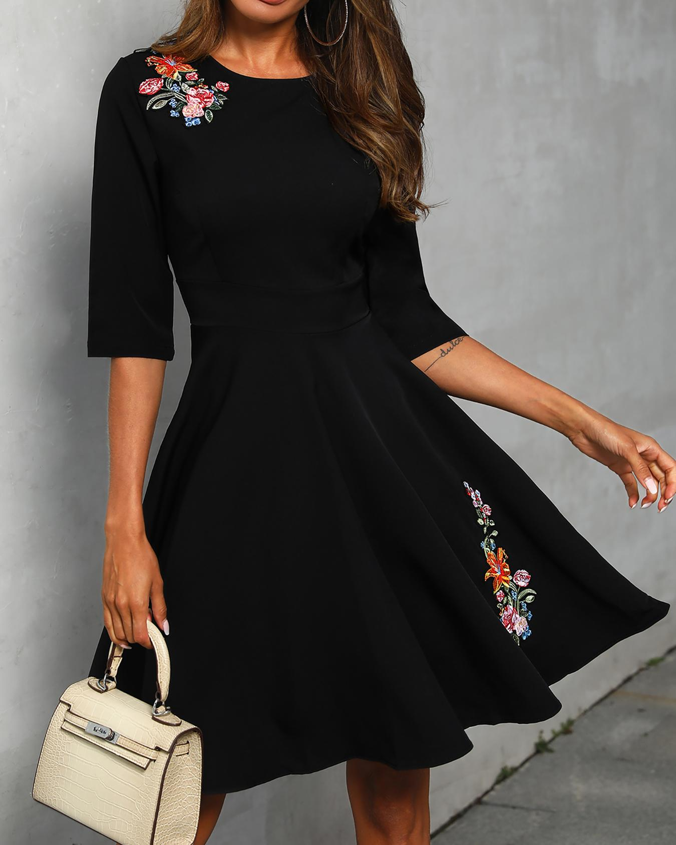 Floral Applique Ruched half Sleeve Dress