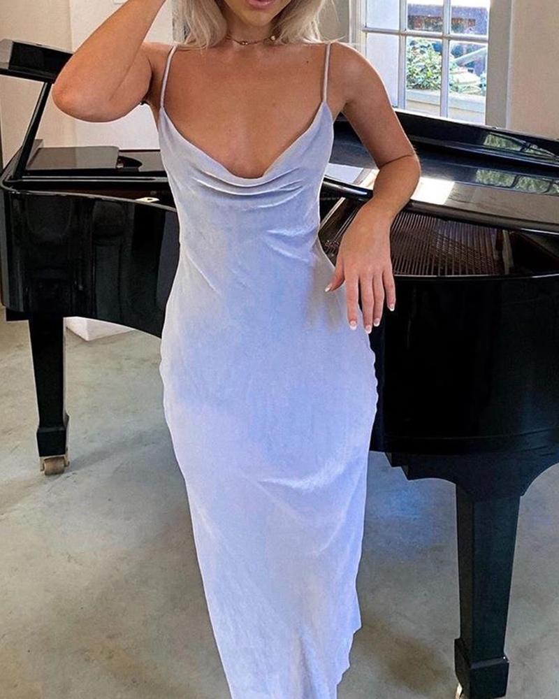 ivrose / Vestido sin espalda de terciopelo con correa de espagueti y cuello vuelto
